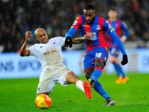 Hiram Boateng against Dede on Palace debut