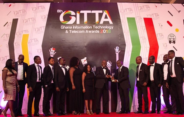 MTN Technical Team support CTO Mohammed Rufai to receive his award